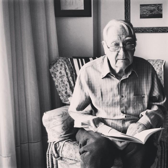 Hem conversat amb el poeta Màrius Sampere | Foto: Laura Basagaña.