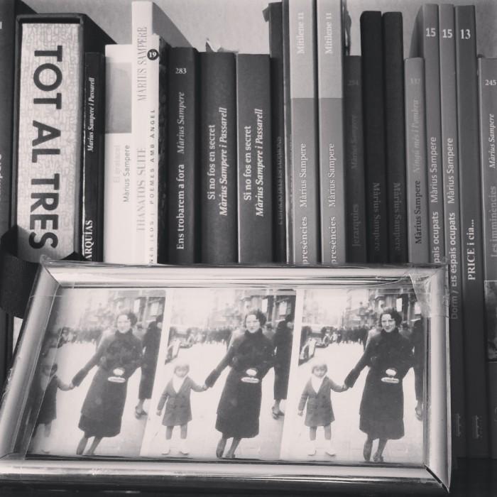 Màrius Sampere ens ha obert les portes de casa seva per conversar sobre 'Ignosi', el poemari que acaba de publicar Edicions Poncianes | Foto: Laura Basagaña.