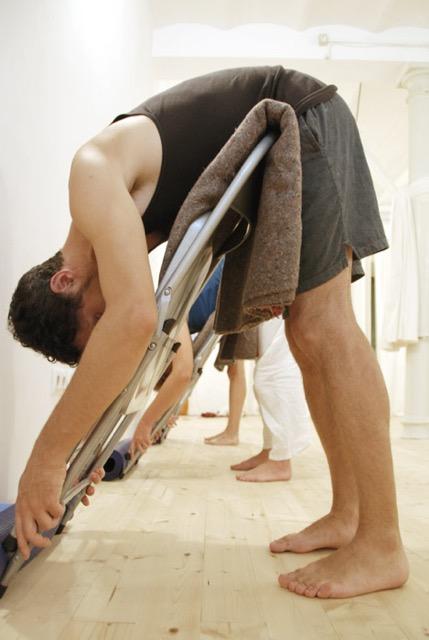 El ioga terapèutic explora mecanismes per aconseguir que persones amb particularitats diverses puguin beneficiar-se de la pràctica del ioga.