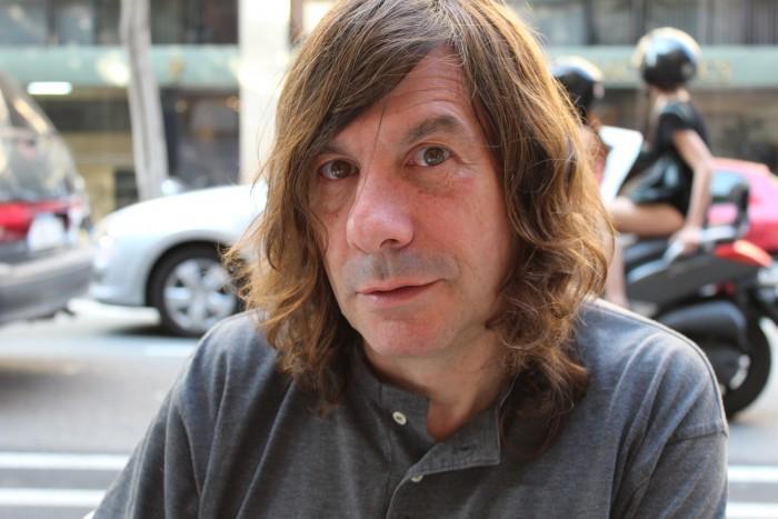 Hem entrevistat al poeta Víctor Sunyol | Foto: Laura Basagaña.