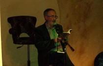 Jaume Pérez Montaner recitant al bar Horiginal de Barcelona   Foto: L'Horiginal.