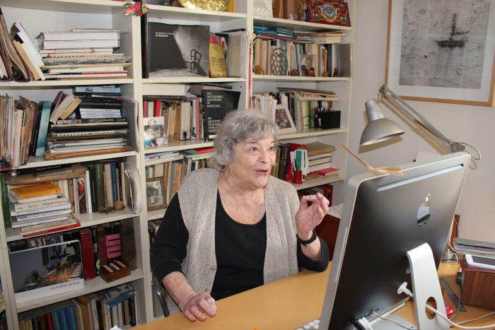 Nelly Schnaith, al seu despatx | Foto: Laura Basagaña.
