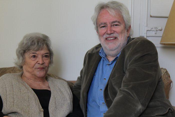 Nelly Schnaith, acompanyada del poeta i editor de Cafè Central Toni Clapés | Laura Basagaña.