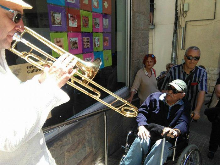 Aparador dedicat als versos d'Orlando Guillén | Foto: Núria Corretgé.