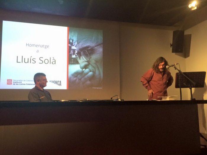Víctor Obiols i Víctor Sunyol, durant l'homenatge a Lluís Solà | Foto: Institució de les Lletres Catalanes.
