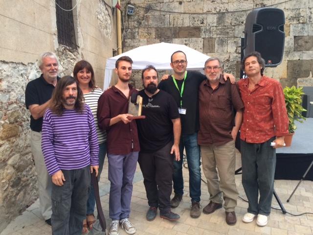 El guanyador del 1r Premi Francesc Garriga de Poesia amb els membres del jurat | Foto: Misael Alerm.