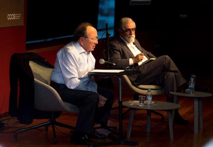 Joan Francesc Mira i Vicenç Villatoro al CCCB, durant la conferència dedicada a Ramon Llull i Dante | Foto: Miquel Taverna, CCCB.