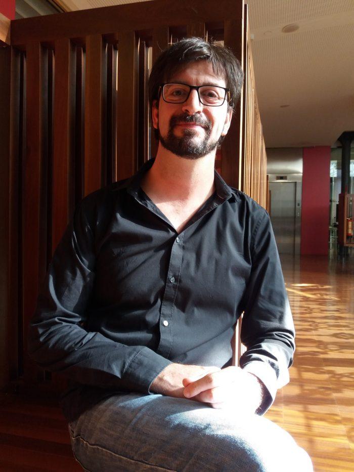 Pau Sanchis Ferrer parla sobre l'ofici d'escriure amb Sílvia Romero | Foto: Xavier Aliaga.